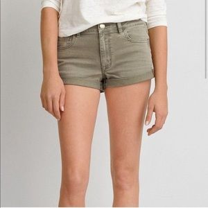 American Eagle Outfitters // Hi-Rise Shortie Short